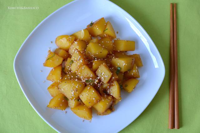 patate in padella dall'alto