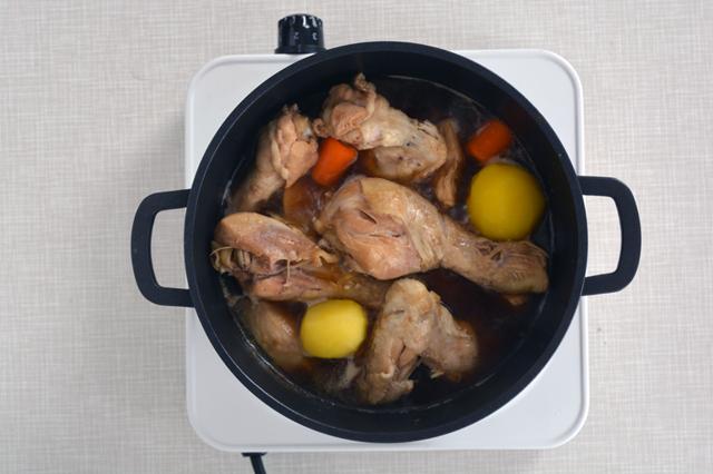 jjimdak aggiunta patate e carote pollo brasato