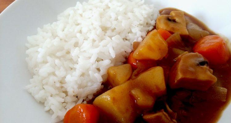 riso al curry evidenza