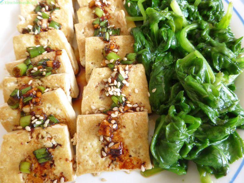 tofu in padella con salsa piccante