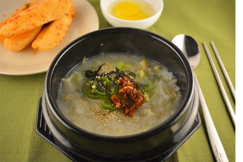 zuppa di germogli di soia