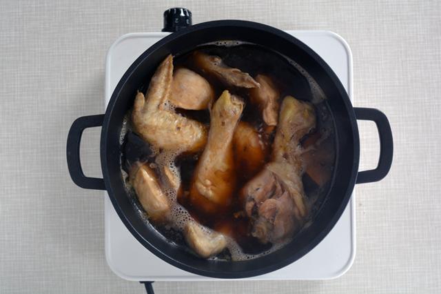 jjimdak cuocere pollo brasato